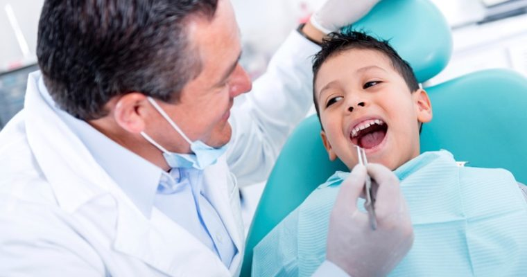 dentist treat child