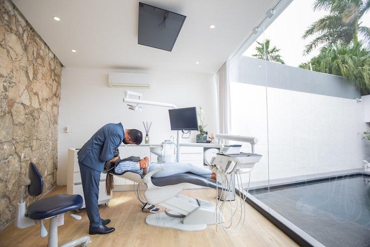 tidy dental office